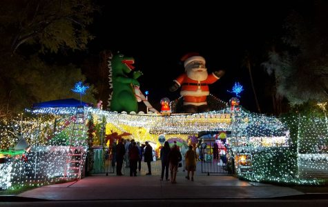 Robolights in Palm Springs Continues to Glow
