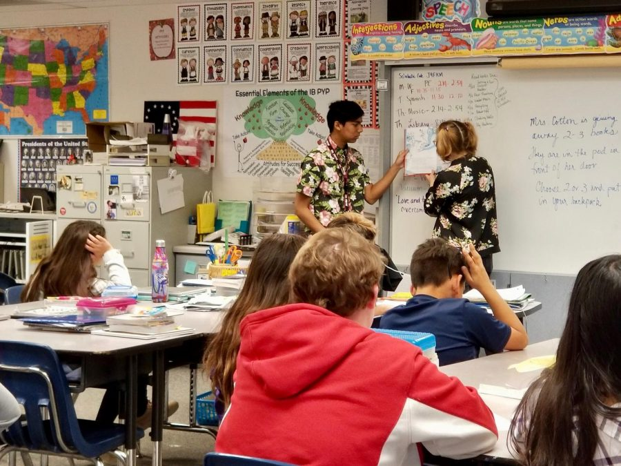 Future Blackhawk Teachers Read Across America
