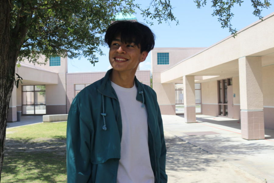 Humans of LQHS: Esteban Romero